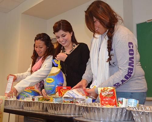 Students preparing Thanksgiving donations